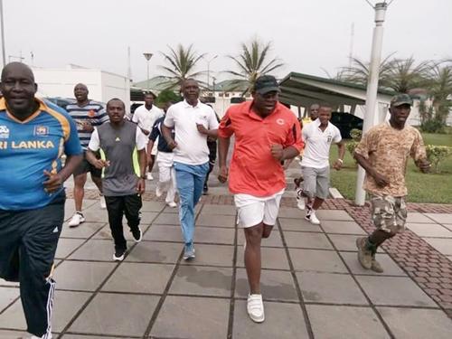 bayels-gov-jogging-2
