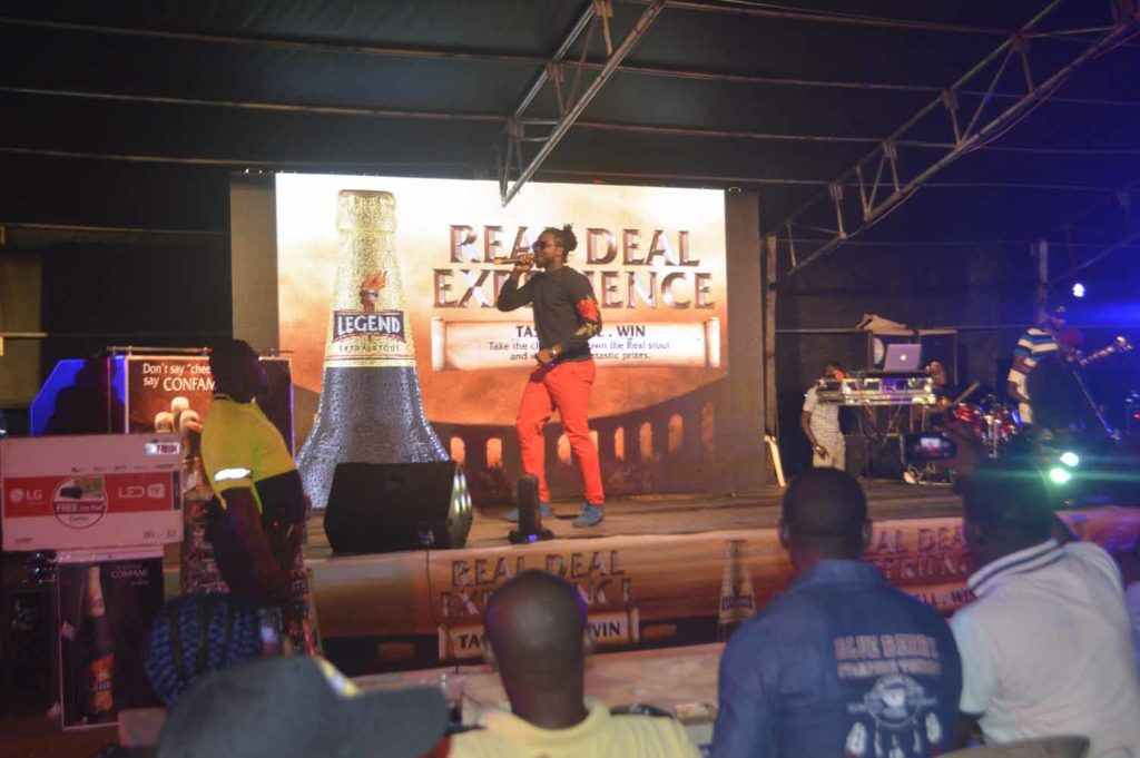 tipsy kelvano performing