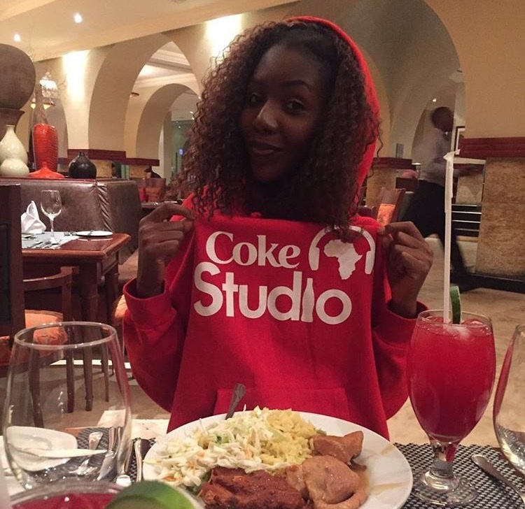 ''Dinnertime ? Thanks for the awesome time Coca-Cola!'' - Anna