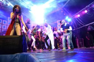 2baba-and-dancers