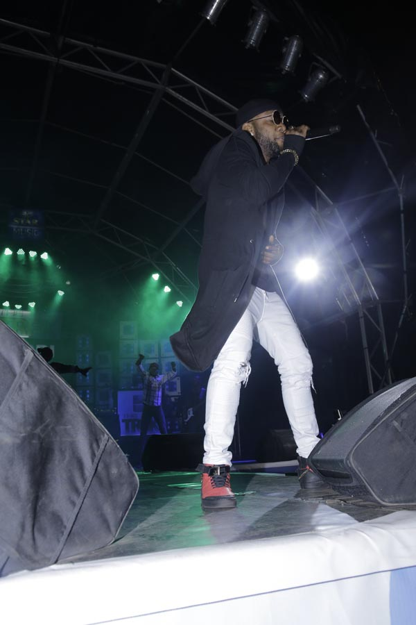 KCEE PERFORMING AT Star Music The Trek Owerri