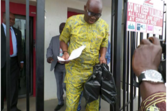 Governor Ayodele Fayose withdraw 5M from his bank account at zenith