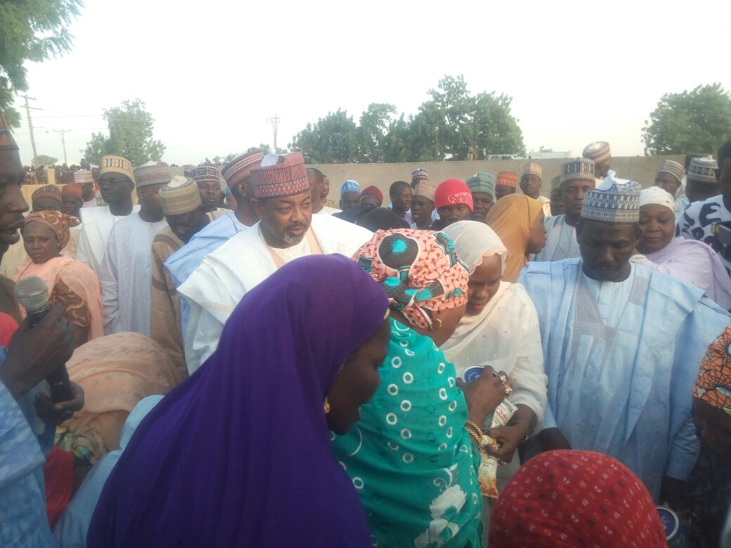 Aisha Donates Relief Materials to Borno residents