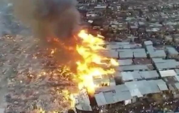 Fire Guts Makoko Slum in Lagos