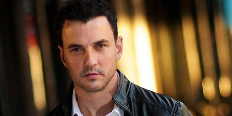 The late Singer Tommy Page