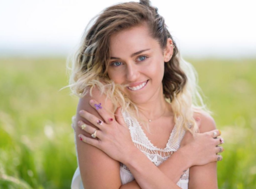 Miley Getting Naked 108