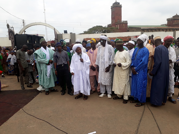 Oluwo Clerics and Dignitaries