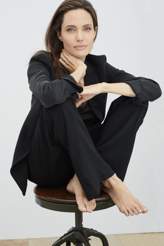 Angelina Jolie - OLORISUPERGAL