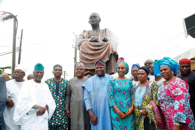 Unveiling of awolowo's statue - OLORISUPERGAL
