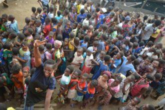 Oluwatoyin Onigbanjo feeds 1000 children in Makoko 5