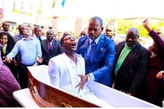Zimbabwean Man, Brighton Elliot Moyo allegedly resurrected by Pastor Lukau finally dies.