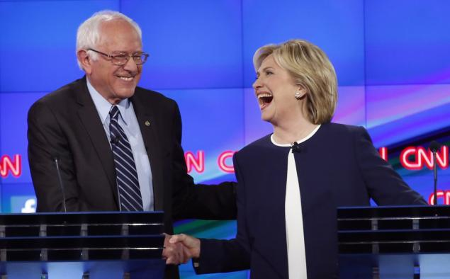 Bernie Sanders shakes hands with Clinton after a Presidential debate