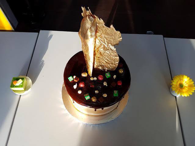COOKIE JAR - SILK PALETTE SPONGE CAKE