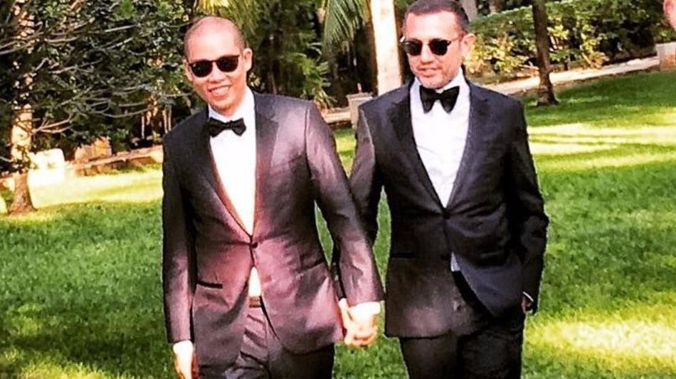 Gay fashion designer jason wu marries longtime boyfriend for Jason wu fashion designer