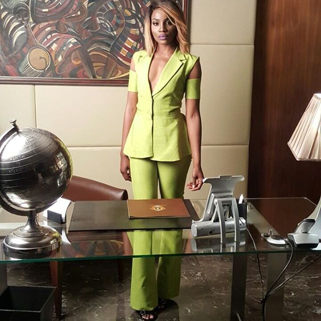 SEYI SHAY ON SET