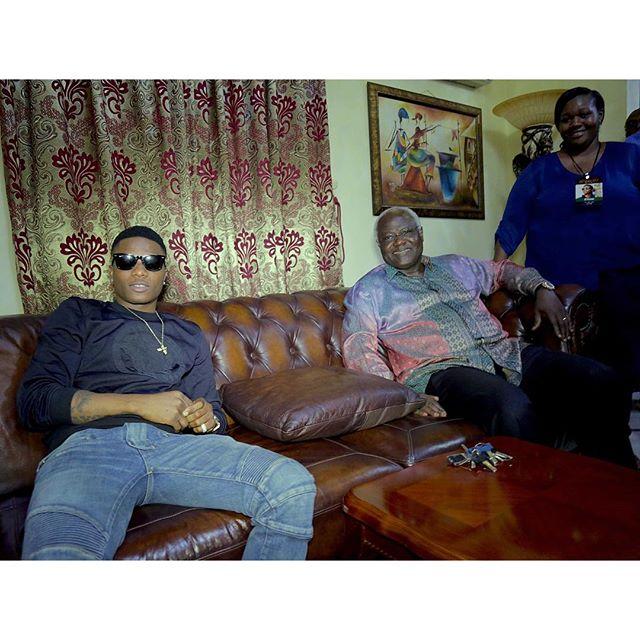 wizkid with Ernest Bai Koroma